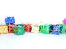 Подарки рождества с белой предпосылкой Стоковая Фотография RF