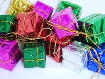Подарки рождества с белой предпосылкой Стоковое Изображение RF