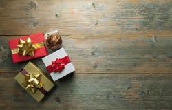Подарки рождества с copyspace предпосылки стоковое изображение rf
