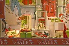 Подарки рождества, tableware, чашки Стоковое Фото