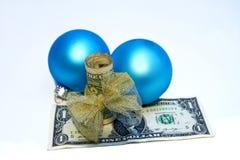 Подарок давать - концепция - деньги w/Bow/Decorations Стоковое Фото