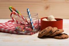 Подарок валентинки с помадками Стоковое Фото