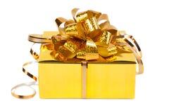 Подарок в красочном пакете с смычками Стоковое Изображение RF