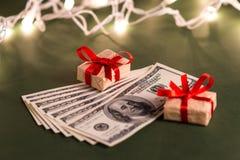Подарок денег Стоковая Фотография RF
