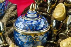 Подарок золота смычка ленты золотого ингота Benjarong красный устанавливает Стоковые Изображения