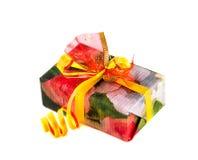 подарок коробки изолированный над белизной Стоковые Фотографии RF
