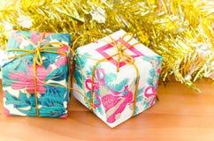 подарок коробки цветастый Стоковые Изображения RF