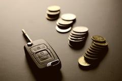 Подарок ключа автомобиля денег Стоковое Изображение