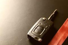 Подарок ключа автомобиля денег Стоковые Фото