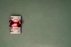Подарок на рождество денег наличных денег u S валюта Стоковая Фотография RF