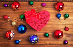 Подарок рождества и различные игрушки рождества Стоковые Фотографии RF