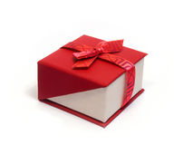 Подарок с лентой и смычком стоковое изображение rf