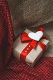 Подарок сделанный с руками Стоковые Фото