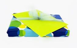 Подарок с карточкой Стоковое Изображение RF