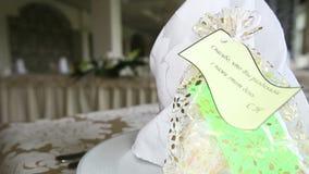 Подарок для wedding гостя сток-видео