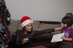 Подарок ` s кредитных карточек и Нового Года Стоковая Фотография RF