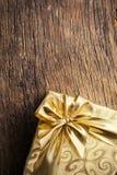 Подарочная коробка золота Стоковое Фото