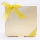 Подарочная коробка золота стоковые изображения rf