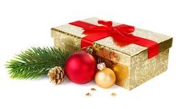 Подарочная коробка и украшения рождества стоковое фото rf
