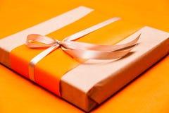 Подарочная коробка крупного плана Стоковые Фотографии RF