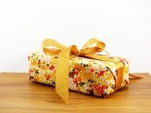 Подарочная коробка присутствующая Стоковая Фотография
