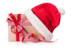 Подарочная коробка рождества с шляпой santa Стоковое Фото