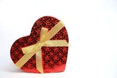 Подарочная коробка формы сердца валентинки Стоковые Изображения RF