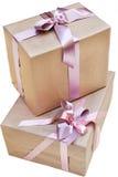 2 подарочной коробки с розовым смычком Стоковое Фото