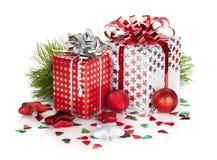 2 подарочные коробки и оформления рождества Стоковая Фотография RF
