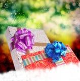 Подарочные коробки на снеге Стоковое Изображение