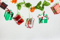 Подарочные коробки рождества на белой предпосылке Стоковое Фото