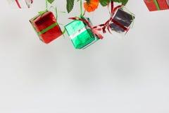 Подарочные коробки рождества на белой предпосылке Стоковое фото RF