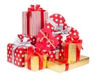 Подарочные коробки сердца на белой предпосылке Стоковая Фотография RF