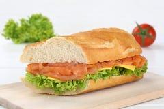 Под багет сандвича с salmon рыбами Стоковое Изображение