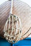 Подборщик с длинными рукоятками плодоовощ Wicker Стоковые Фотографии RF