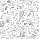 Подводная безшовная картина с рыбами, раковинами, медузами и линиями пузырей Стоковое Фото