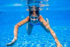 Подводная девушка Стоковые Фотографии RF