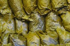 Подготавливайте для того чтобы обернуть yapragi Tokat Турцию sarma массовых лист виноградины турецкое Стоковая Фотография RF