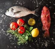 Подготовка зажаренной рыбы Стоковое Изображение
