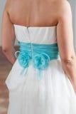Подготовка и одевать невесты стоковые фото