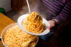 Подготовка макаронных изделий спагетти Стоковая Фотография RF