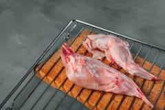 Подготовка мяса кролика Стоковое Изображение