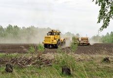 Подготовка почвы для засева Стоковые Фото