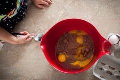 Подготовка торта Стоковое Фото