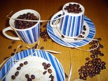 Подготовка для чашки кофе утра Стоковые Изображения RF