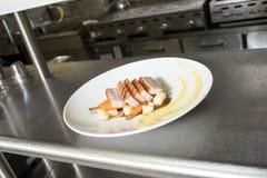 Подготовленная плита мяса Стоковые Фото