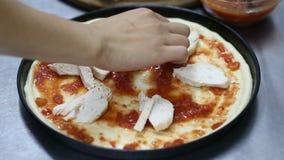 подготовлять пиццы кашевара акции видеоматериалы