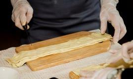 подготовлять теста шеф-повара Стоковое Изображение