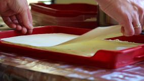 подготовлять торта акции видеоматериалы
