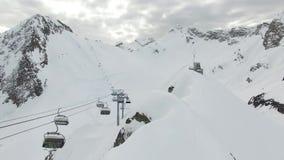 Полет над горой снега в Сочи видеоматериал